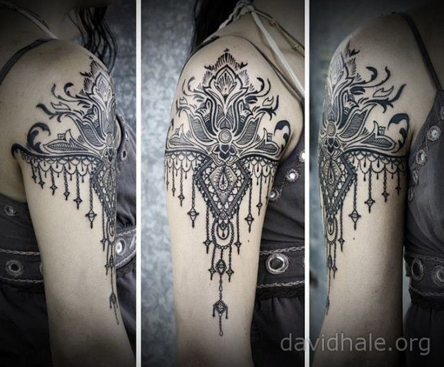Paisley and lace designs converge in this beautiful tattoo by artist David Hale « « Ratta Tattoo