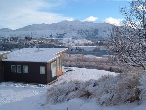 Spectacular Mountain and River Views in Queenstown, Queenstown-Lakes | Bookabach