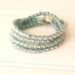 Make your own sparkle wrap bracelet with this easy tutorial. #DIY #Jewellery