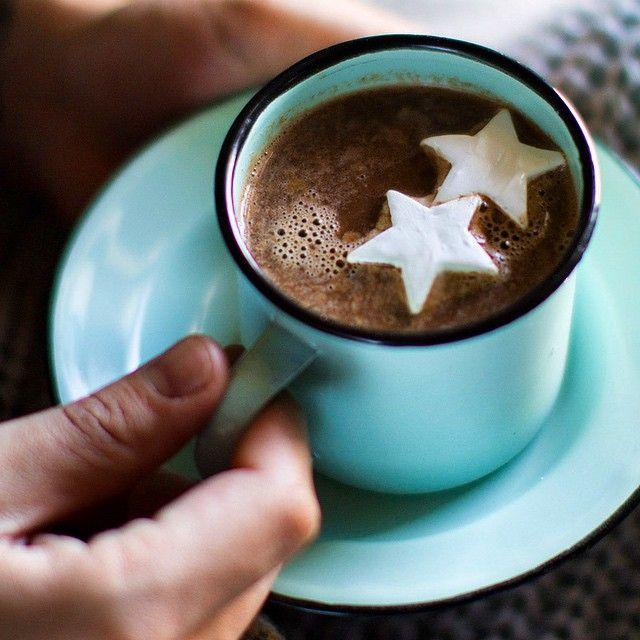 Boozy Nutella Hot Chocolate  via @feedfeed on https://thefeedfeed.com/stiersaesthetic/boozy-nutella-hot-chocolate