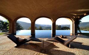 Luxury Villas in Umbria, Castello Di Reschio Palazzo, Pool