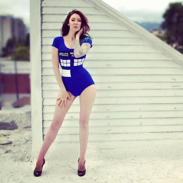 If I can't go as a tardis this year I'm sooooo getting a bodysuit, doing this…