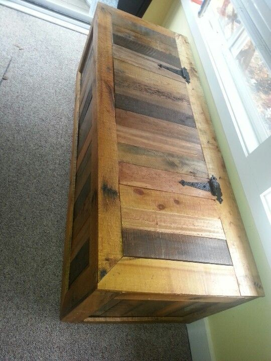Pallet chest. My first pallet project