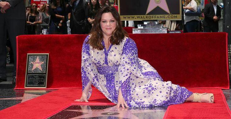 Melissa McCarthy ganha estrela na Calçada da Fama de Hollywood