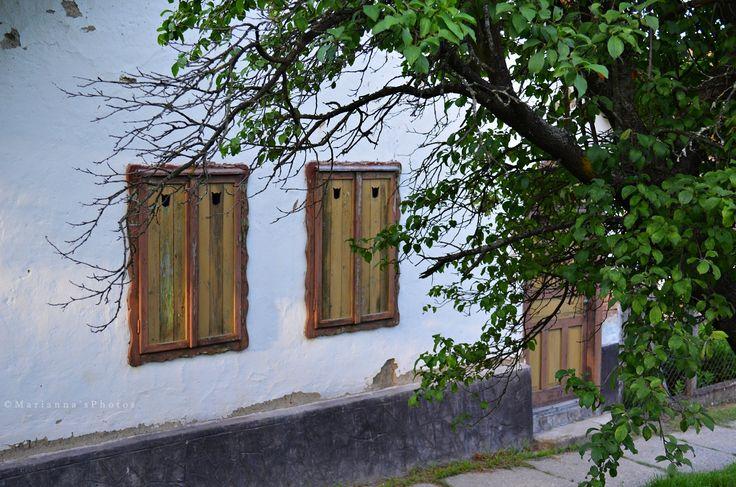 Farmhouse windows (Diósjenő, Nógrád county, Hungary)