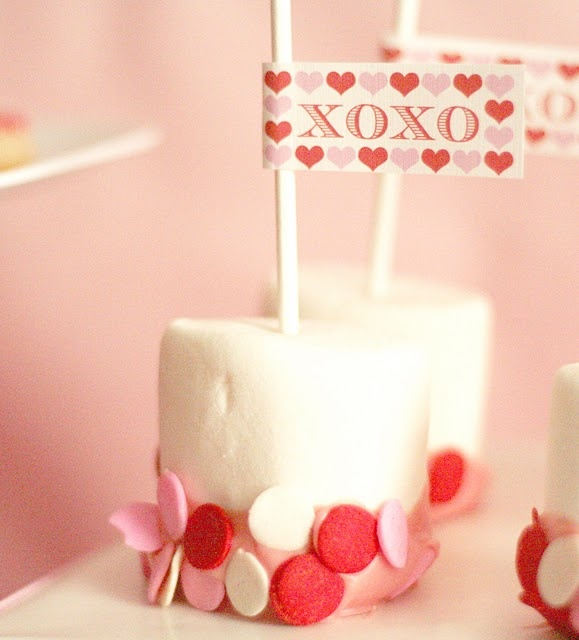 dipped marshmallow with sprinkles #marshmallow #stick #sprinkles #pink #red #white #flag #valentines #love #mini #dessert #table #display