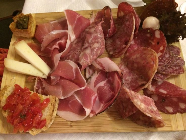#Food lovers love #Tuscany! Try an assortment of charcuterie - look for small, family-run restaurants. #siena #Italy #travel