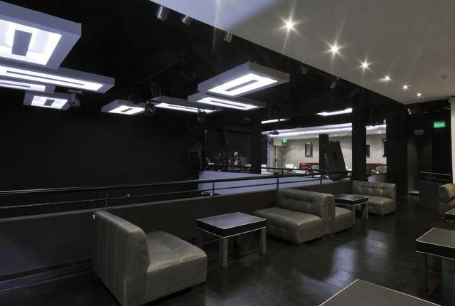 #Luz #Iluminacion #Espacios #Disenio Brook Disco  http://vanguardaarchitects.com/es/what-we-do.php?sec=corporative-branding&project=72