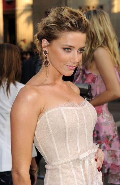 Amber Heard, love her make-up. : )