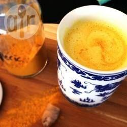 Złote mleko, czyli mleko z kurkumą @ allrecipes.pl