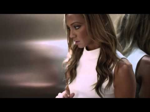 Kate Abdo HTC HD - http://maxblog.com/1565/kate-abdo-htc-hd/