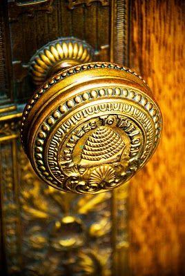 Temple Door...#beeBees Hives, Doors Hardware, Ox Create, Doors Knobs, Lds Temples, Door Knobs, Beehive Doorknobs, Doors Knockers, Temples Doors