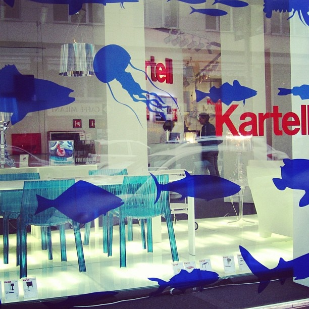 Press this pic and FOLLOW ME on Facebook! Kartell Flagship store Milan - Summer window 2012