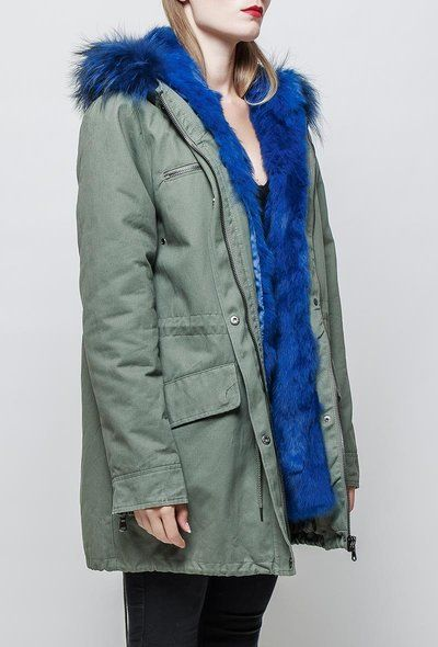 parka-capuche-bord-fourrure-coloree - fourrure bleue - CpourL.fr