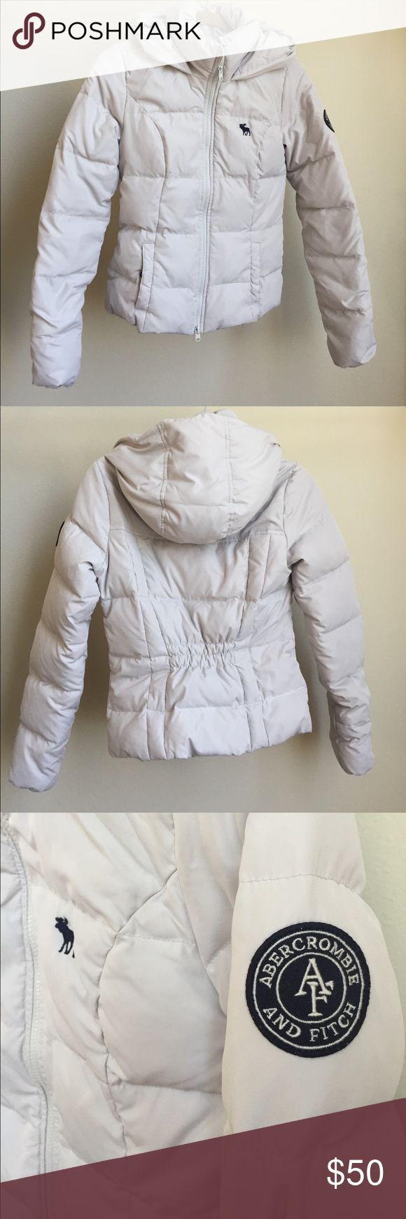 SUMMER DEAL ☀️ Abercrombie and Fitch light puffer A warm and lightweight Abercrombie and Fitch puffer jacket. It is a very flattering, slimming fit that hits at the waist. It has a hood and two pockets at the front, and logos on the front and side sleeve. So great for winter coming up! In great condition. Abercrombie & Fitch Jackets & Coats Puffers