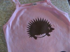 How to decorate t-shirts with your Cricut - video