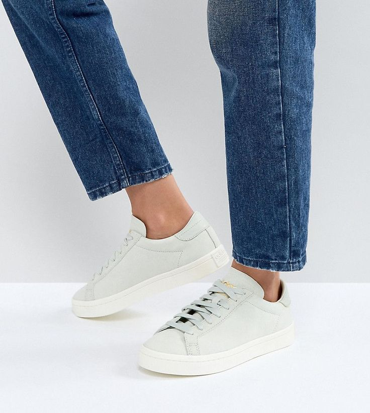 adidas Originals Court Vantage Sneakers In Pale Green - Green