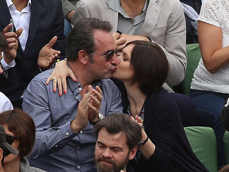 Roland-Garros : Jean Dujardin et Nathalie Péchalat s'affichent plus amoureux que jamais