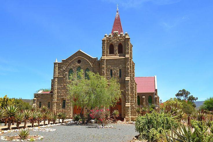 Die kerkgebou van die NG gemeente Volmoed is op 16 Mei 1910 gelê.
