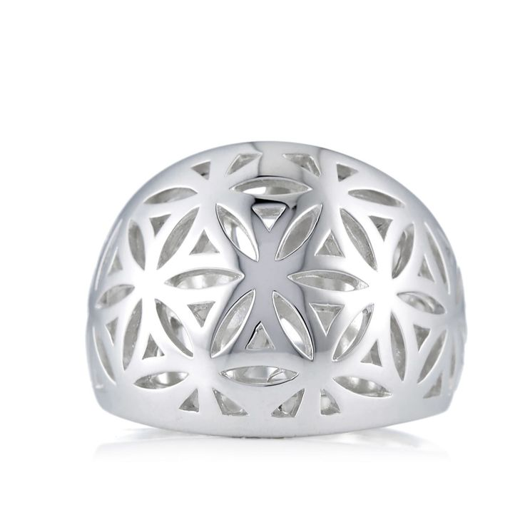 307560 - Links of London Maze Ring Sterling Silver  QVC PRICE: £55.00 + P&P: £4.95 Select colour: STERLING SILVER This Links of London ring features an elegant lattice design depicting flowers and leaves, and is crafted from polished sterling silver.