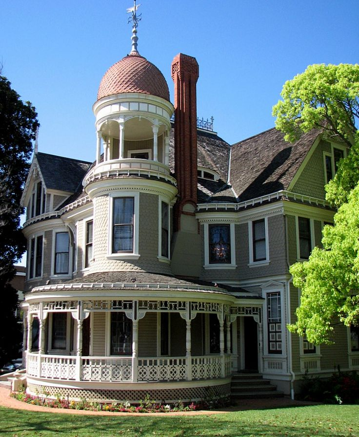 Victorian House - Long-Waterman House, San Diego, was built in 1889 by D. P. Bensen. The name of the house comes from its first & second occupants: John Long, president of the Coronado Fruit Package Company & then Robert Whitney Waterman, the 17th Governor of California who bought the place for $17,000. The house is in the neighborhood called Bankers Hill or Pill Hill because back when the house was built many bankers & doctors lived in the area which is located on a hill overlooking the bay…