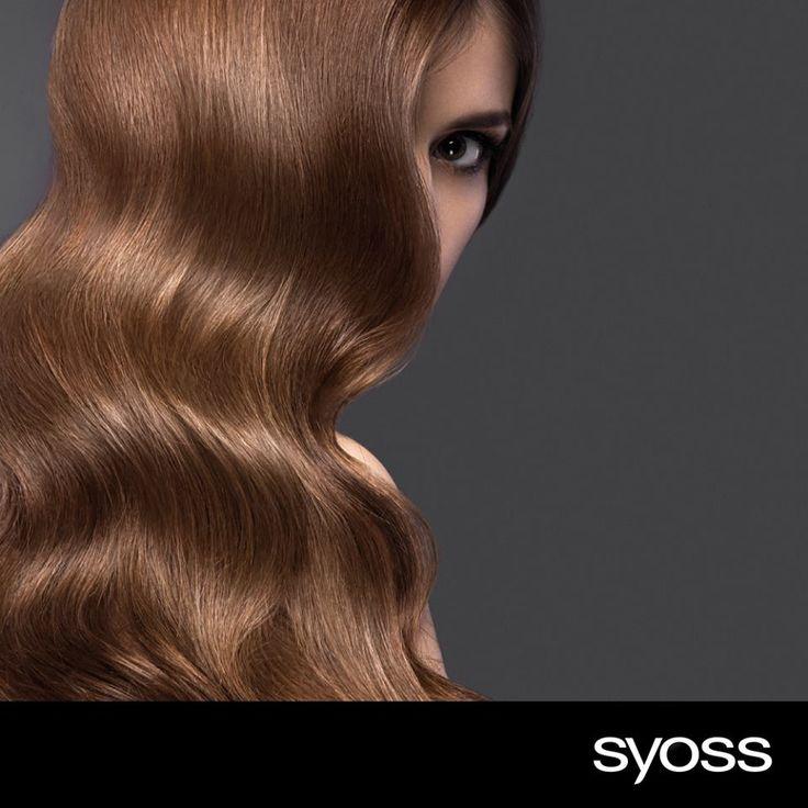 #Tip: Θα ξέρεις ότι αν πιάσεις τα μαλλιά σου πλεξούδα θα έχεις όμορφα κυματιστά μαλλιά μετά από λίγες ώρες… Ακολούθησε τις συμβουλές για τέλειο αποτέλεσμα: ✓ Βεβαιώσου ότι τα μαλλιά σου είναι ελαφρώς νωπά έτσι ώστε η πλεξούδα να αφήσει κύματα που θα διαρκούν. ✓ Βάλε λίγες σταγόνες από το #Syoss Beauty Elixir Oil στα νωπά μαλλιά σου ώστε να μην πετάνε και να είναι λεία. ✓ Όταν τελειώσεις με την προετοιμασία, πλέξε τα χαλαρά είτε σε πολλές μικρές πλεξίδες είτε σε μια μεγάλη ανάλογα απ' το…