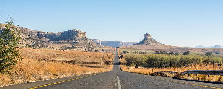 Clarens has it all: a cosy village atmosphere, great farm stays and statuesque mountains – and that's where you should head, says Melanie Van Zyl.