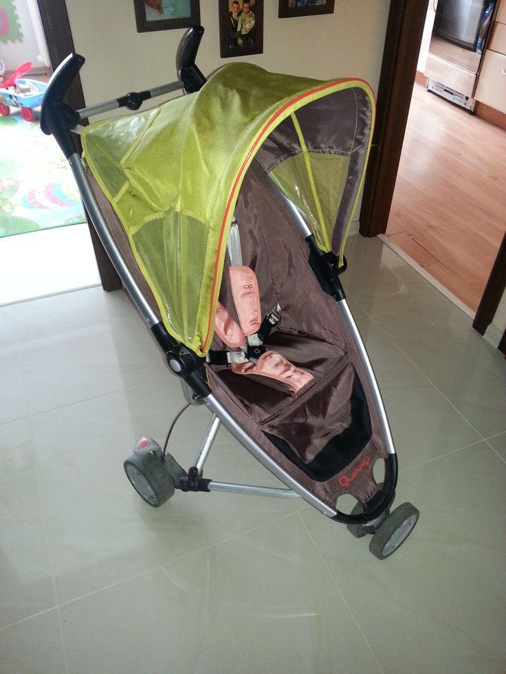 Witam. Mam na sprzedaż wózek spacerowy firmy Quinny Zapp. Wózek wyposażony jest w pięciopunktowe pasy bezpieczeństwa. Tapicerka czysta, wyprana, bez żadnych przetarć. Wózek bardzo małych rozmiarów idealnie nadaje sie w podróż. Jest bardzo lekki i zajmuje wyjątkowo mało miejsca. Do wózka jest dołączona torba w którą chowa sie wózek. Możliwość kupna wraz z fotelikiem samochodowym, cena fotelika 140 zl. (po zdemontowaniu siedziska, na stelaż montuje sie adaptery i osadza sie na nich fotelik…