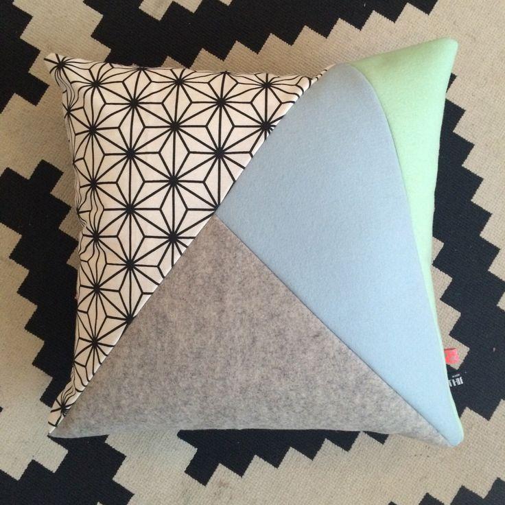 Een persoonlijke favoriet uit mijn Etsy shop https://www.etsy.com/nl/listing/479001900/handgemaakt-kussen-kussenhoes-van