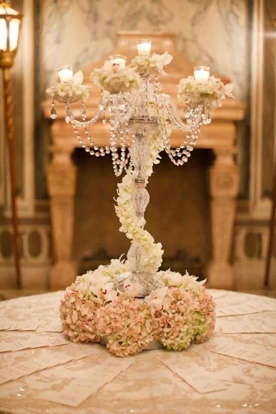 hydrangeas and crystal strands - I might do this for the card table.