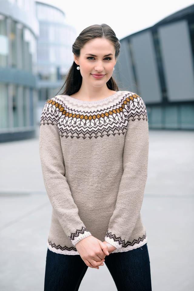 Rundfelt genser, strikket i SILJA SUPERWASH (80 % ull, 20 % nylon).  Oppskriften finner du i denne katalogen som kan du laste ned her: http://gjestal.no/katalog/gg-241-strikkedesign-dame-og-herre/