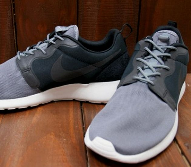 Nike Roshe Run Hyperfuse QS – Black / Cool Grey
