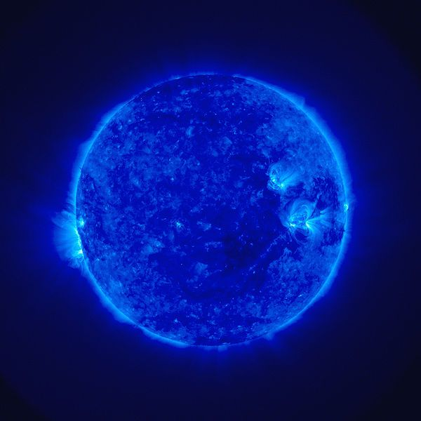 """Newly Discovered """"Blast Waves"""" Found In The Sun's Atmosphere 