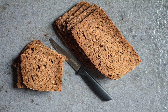 Pane con semi di girasole e segale ricetta