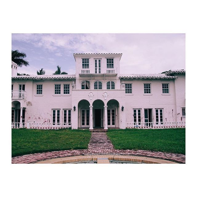 """#Scarface mansion in #miami where I shot the video """"Vivre"""""""