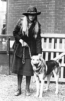 Anna Roosevelt Dall Boettiger Halsted (May 3, 1906 – December 1, 1975) was the daughter of the U.S. President Franklin D. Roosevelt and Eleanor Roosevelt, as well as the granddaughter of Elliott Roosevelt. Franklin D. Roosevelt 32nd #President of the United States 34th #FirstLady Eleanor Roosevelt
