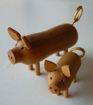 houten varkens te koop uit Fräncis' VarkensCollectie voor 6,50 euro - 2 stuk