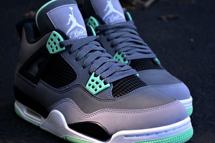 Green Glow Cement Grey : Air jordan retro quot green glow dark grey