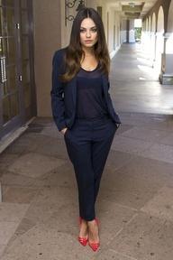 Mila Kunis #celebritystyle #fashion