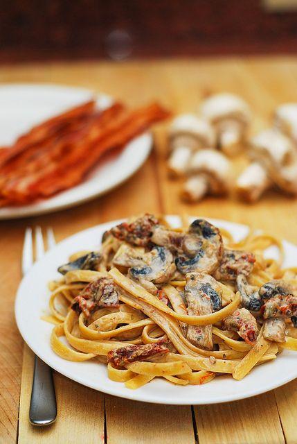 sun dried tomato and mushroom pasta in a garlic and basil sauce.