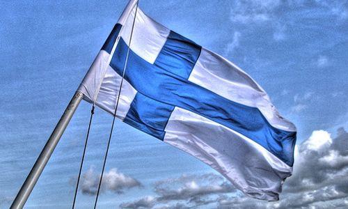 ¡Hola! Después de ver mis travesuras en Finlandia (ver aquí) toca plantearse… ¿Cuál es el vocabulario mínimo para comunicarse con la gente? Ya sabéis, en tiendas y cosas así… Pues eso es lo que vamos a enseñar aquí, algo de vocabulario (no os complicaré la vida con genitivos, inesivo ni nada hoy). Lo primero de …