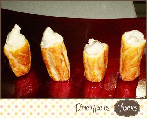 Canutillos de hojaldre rellenos de gorgonzola y nueces