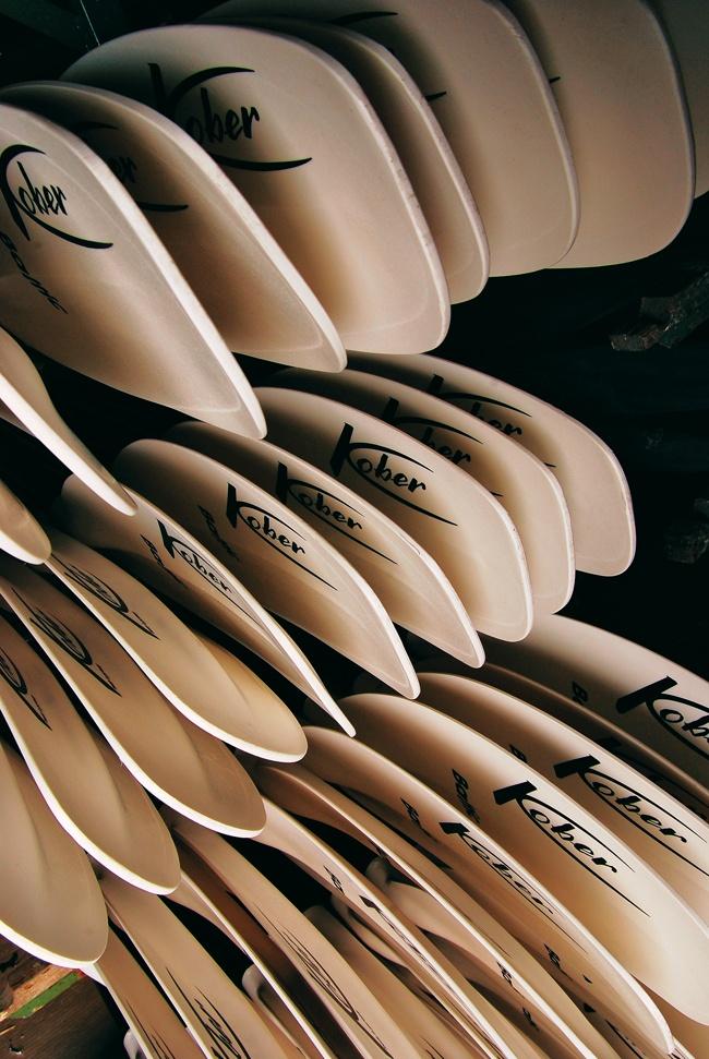 white paddle