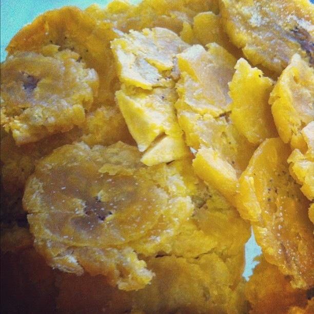 Crispy yummy tostones (fried plantains)