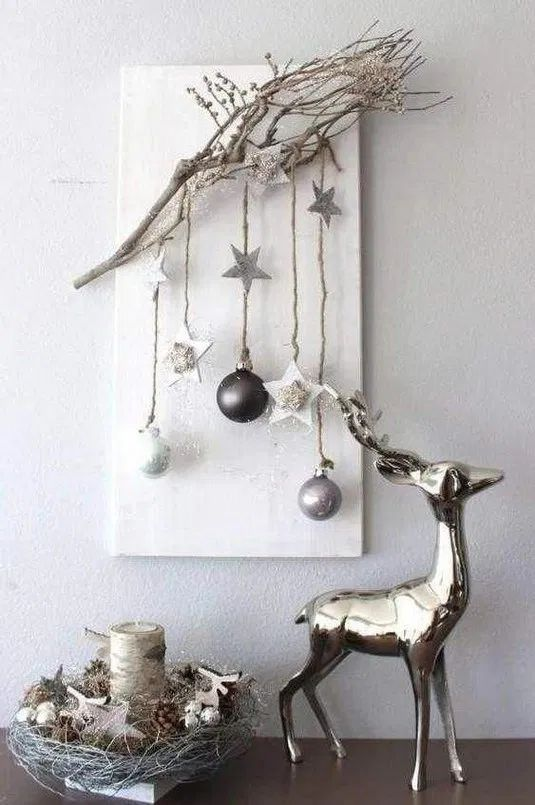 Easy Christmas Wall Art Ideas Using Natural Materials Christmas Wall Decor Christmas Deco Christmas Decor Diy