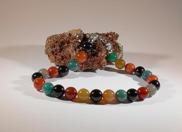 Achate-Halskette, handgefertigtes Einzelstück, 44,5 cm lang, polierte, gefärbte Achate-Perlen 16 mm, 4 Metallperlen, Karabinerverschluß aus 925-Sterling-Silber