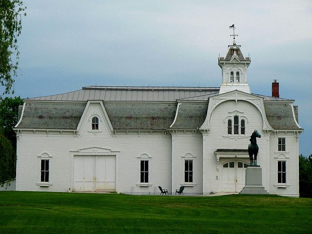 white barns (Vermont stable): Horse Farms, White Barn, Beautiful Barn, Stable 1878, Horse Barns, Breeding Barn, Barn Stable