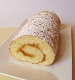 Ha gyorsan szeretnénk valami egyszerű, de finom süteményt, a piskótatekercs lehet a legkézenfekvőbb megoldás.   Hozzávalók 32 x 34 ...