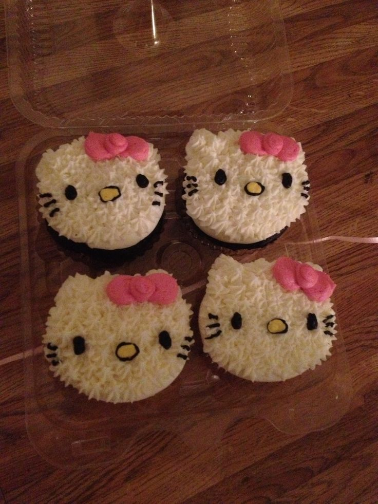 Hello kitty cupcakes !