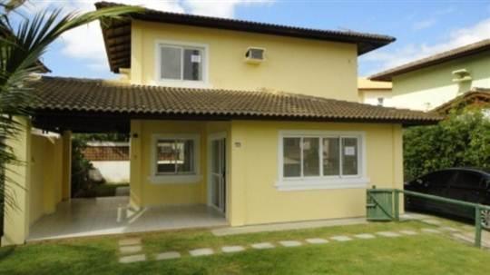 Casa Com 3 Siítes Em Patamares Salvador - Excelente casa com 2 pavimentos , ótima localização, Próximo de escolas e com fácil acesso para Av. Paralela e Orla.